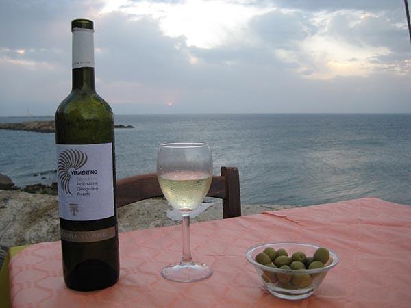winebythewater